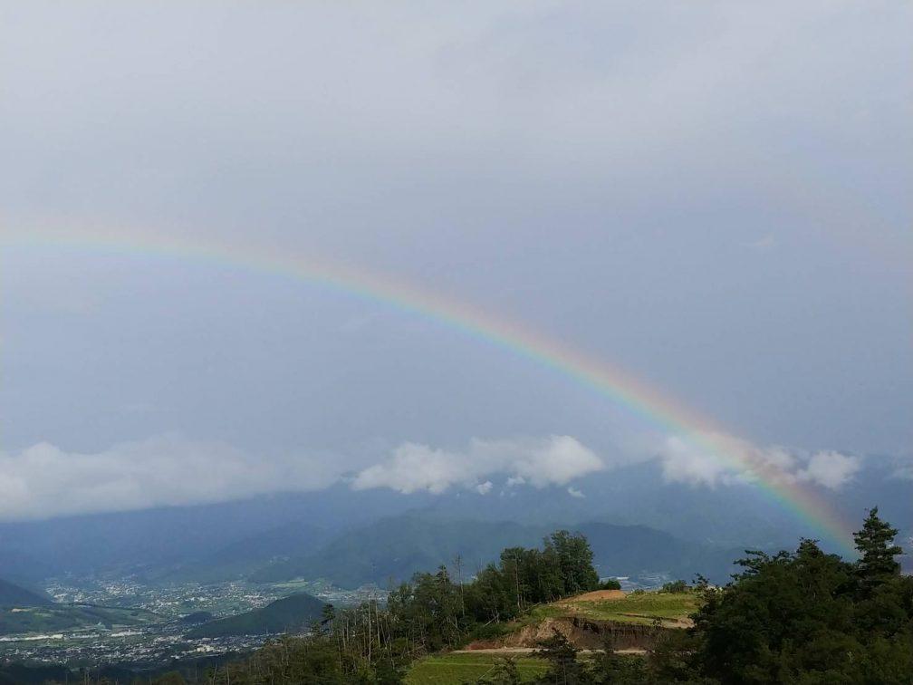 ほったらかしキャンプ場の虹